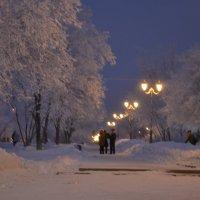 прогулка по вечернему городу :: Inna Kharisova