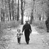 Дедушка с внучкой :: Джони Ноксвил