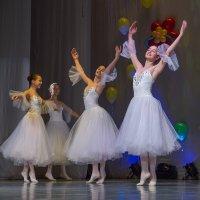 Танец :: Олег Карташов