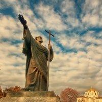 ..Севастополь,памятник Андрею Первозванному... :: Галина Юняева