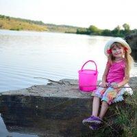 мечтает поймать золотую рыбку :: Катерина Терновая