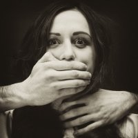 Кто защитит женщину..... :: Алина Миняйло