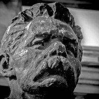 Памятник Горькому.(Фрагмент) :: Александр Лейкум