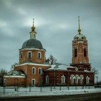 Архангельская церковь в Архангельской слободе г. Пронска была построена в 1816 г. :: Виталий Усачев