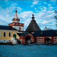 Троицкая надвратная церковь :: Алексей Алебек