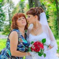 Невеста с сестрой :: Анатолий Клепешнёв