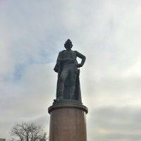 На  Суворовской площади :: Владимир Прокофьев