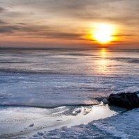 Холодный закат :: Анатолий Мигов