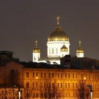 Ночная Москва - купола Храма Христа Спасителя :: Николай Ефремов