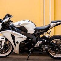Honda CBR1100RR :: Sergei Korzh