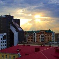 Вечерние крыши :: Константин Вавшко