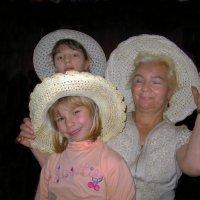 Три шляпы. :: Нина