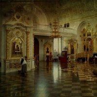 В храме... :: Dan Berli