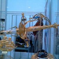 На выставке оружия в Гостином Дворе :: Мария Щукина
