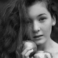 А аромат у Вас особый - так пахнут яблоки в саду. :: Анастасия Аксенова