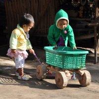 тяжёлое детство - деревянные игрушки :: Любовь Диас Валдес