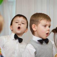 И верит каждое уууууухо светлым речам твоим... :)))  (Хор мальчиков...) :: Дарья Казбанова