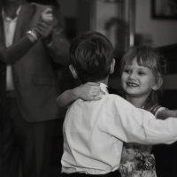 первый танец :: Елена Нешитая