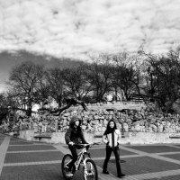 Двое и велосипед :: Ольга Мальцева