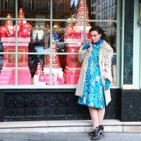 у витрины с конфетами :: Тамара Смирнова