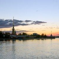 Малиновый рассвет :: Valerii Ivanov
