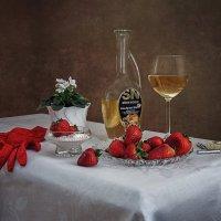 За столиком в любимой кафешке... :: Ирина Приходько