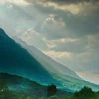 свет в горах :: Vasiliy V. Rechevskiy