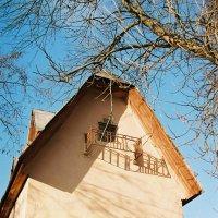 Загадочный балкон :: Константин Диордиев
