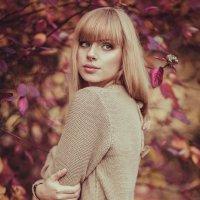 Багровая осень :: Александра Петракова