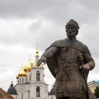 Памятник Юрию Долгорукому основателю Дмитрова. :: Юрий Шувалов