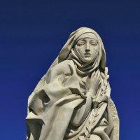 Рим, Святая Екатерина Сиенская, скульптура у замка Святого Ангела :: Татьяна Нестерова
