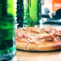 Pizza + Carlsberg :: Sholban Donduk