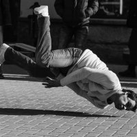 Уличный брейк-данс. Фото3. :: Александр Степовой