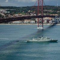 Военный корабль :: Alexey Bogatkin