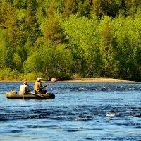 Плывет, качаясь лодочка... :: Александр Кокоулин