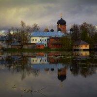 Монастырская осень... :: Roman Lunin