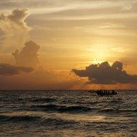 рыбаки возвращаются домой :: Alex
