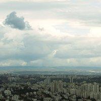 Вид на Тель-Авив с высоты 187 метров (49 этаж). Холмы Самарии. :: Zeev Makovoz