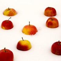 Яблоки на снегу.... :: Светлана Шаповалова