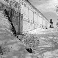 У старых стен :: Сергей Тарабара