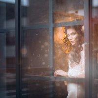 Незнакомка в окне :: Olesya Lapaeva