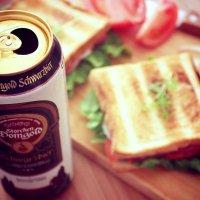 Schwarzbier + sandwich :: Sholban Donduk