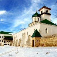 мужской монастырь в р-не Лаго-Наки :: Валерий Дворников