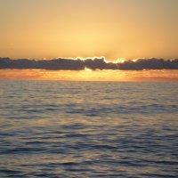Закат на море :: Надежда Ужанова