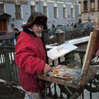 Питерский уличный художник :: Виктор Перякин