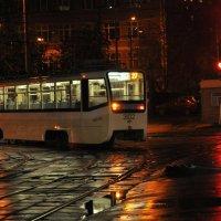 трамвай уехал спать :: Юлия Годовникова