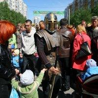 Уличный рыцарь :: Юрий Ипполитов