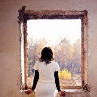 девушка у окна :: Дамир Ибрагимов