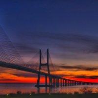 Мост Васко де Гама :: Сергей Гарбарчук