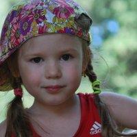 va per la strada una bambina... :: Аида Зырянова
